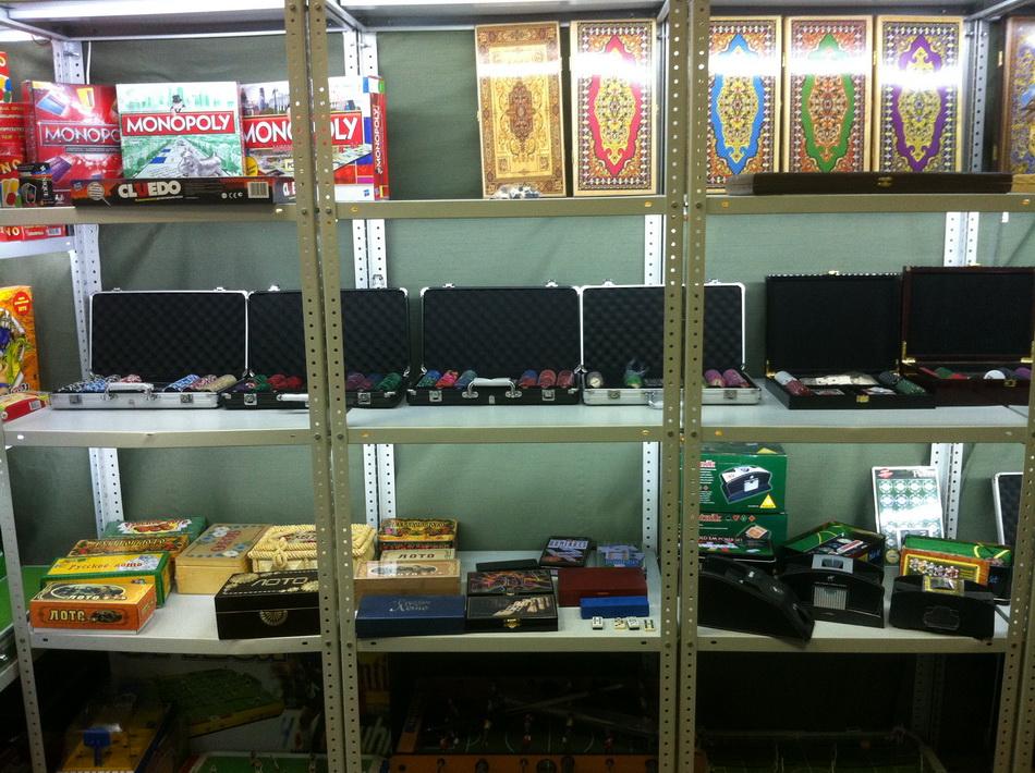 Фото склада наборов для покера 07